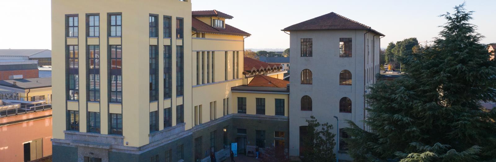 Foto dell'edificio ex-Enel di Dalmine dal drone